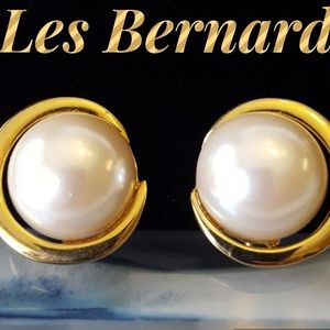 Les Bernard Jewelry - Vintage Les Bernard Clip On Earrings